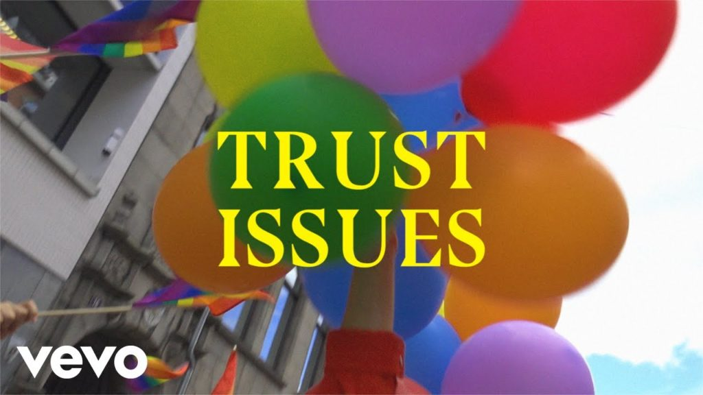 Astrid S – Trust Issues (Lyric Video)