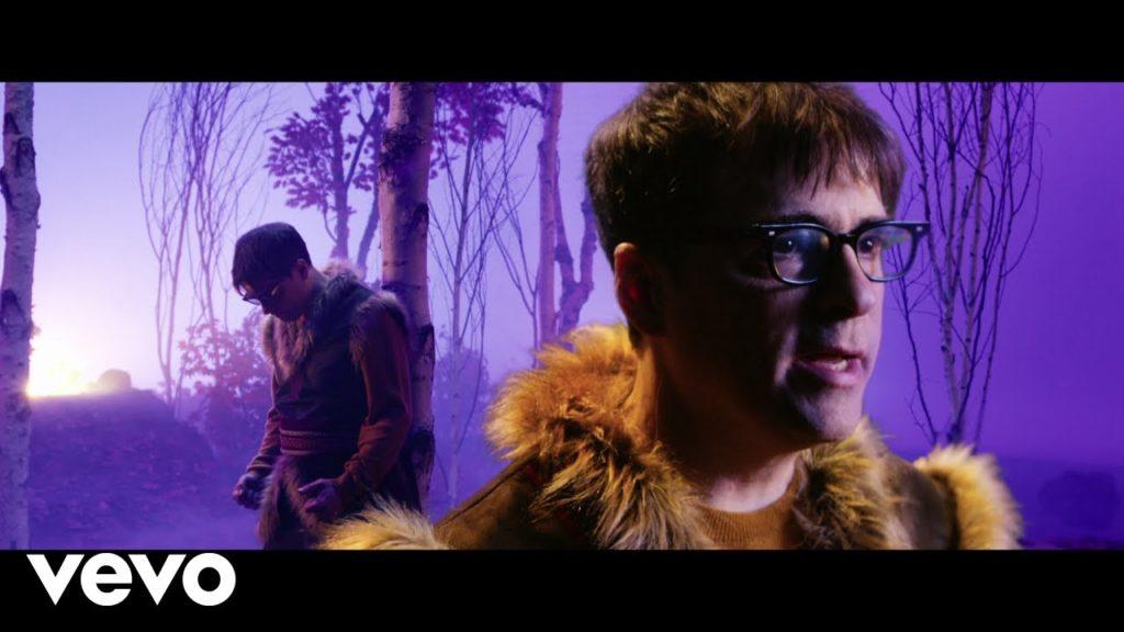 Weezer – Lost in the Woods (Video)