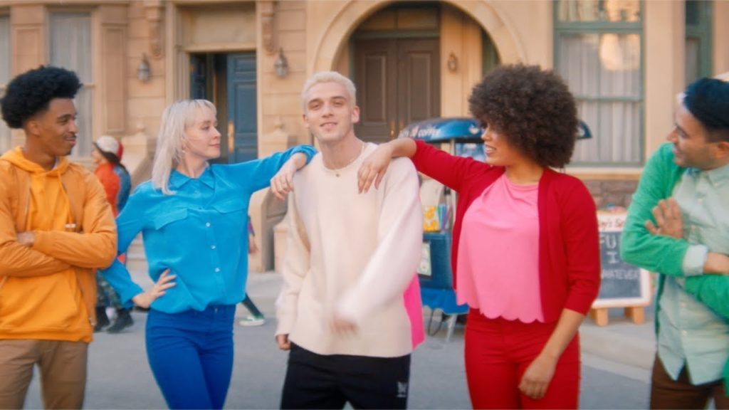 Lauv – Tattoos Together (Video)